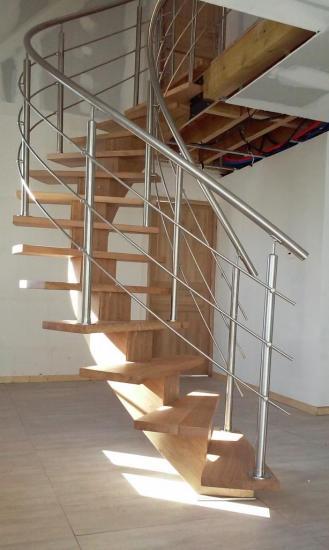 escalier en chêne avec garde corps inox