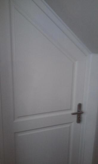 porte en bois laqué blanc